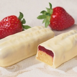 Strawberry Cheesecake Protein Bars