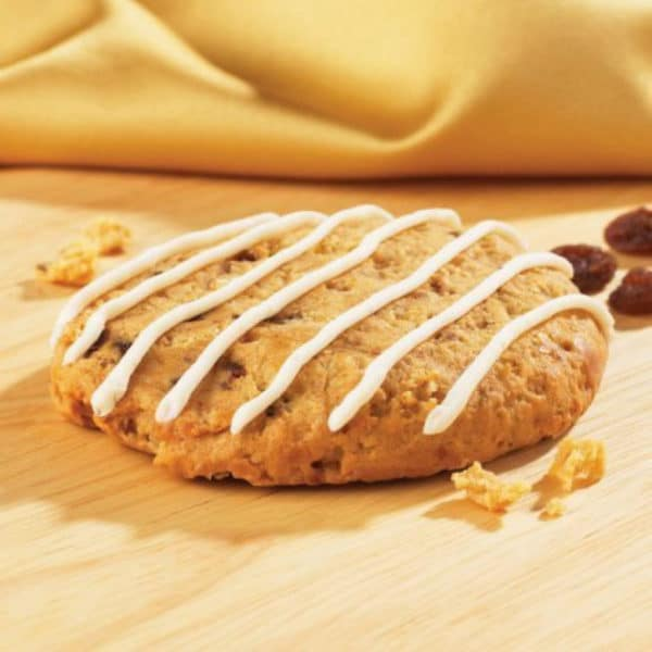 OATMEAL-RAISIN-COOKIE-WITH-DRIZZLE.jpg